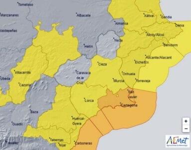 Mapa aemet con las aletas amarilla y naranja para la Región de Murcia y zona del Levante