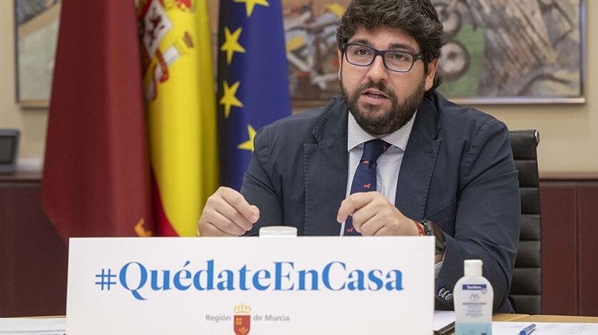 """López Miras pide al Gobierno central """"que dé un paso más y prohíba cualquier actividad que no sea esencial para el abastecimiento y la supervivencia"""""""