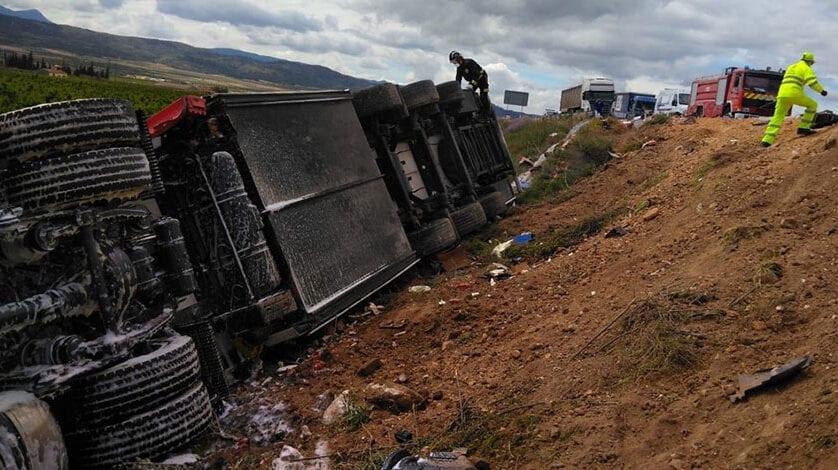 Un fallecido y un herido leve en un accidente de tráfico en la A-33 entre Jumilla y Blanca