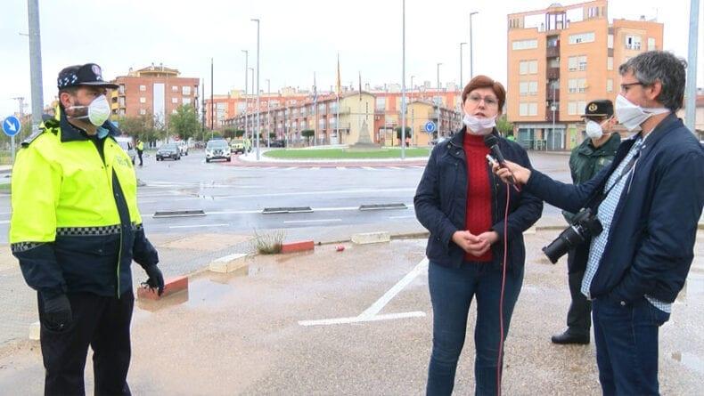 Juana Guardiola agradecía a Policía Local, Guardia Civil y Protección Civil la colaboración en el reparto