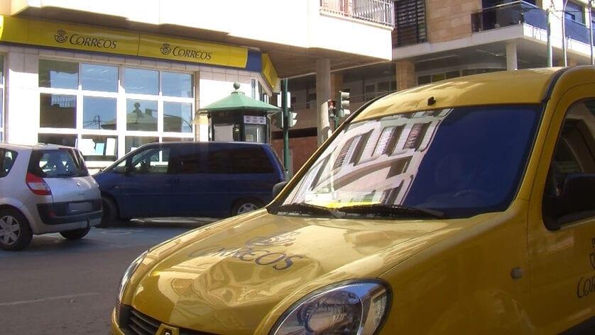Los transportistas ya pueden recoger en Correos dos mascarillas por vehículo hasta el Sábado Santo