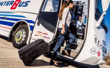 Mañana entran en vigor los nuevos horarios de autobús para viajar a Yecla y Murcia