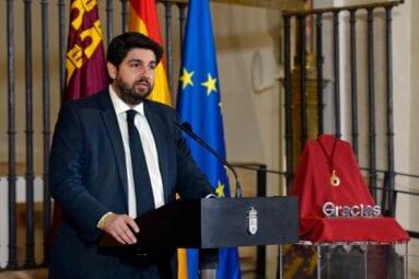 López Miras en el acto institucional del Día de la Región de Murcia 2020