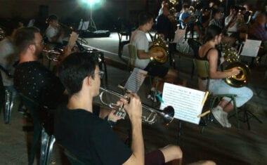 """La """"nueva normalidad"""" también llega a los ensayos de la Asociación Jumillana Amigos de la Música"""