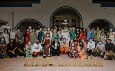 'Fash Food' sienta a 30 comensales alrededor del fuego en la experiencia San Vito en Jumilla