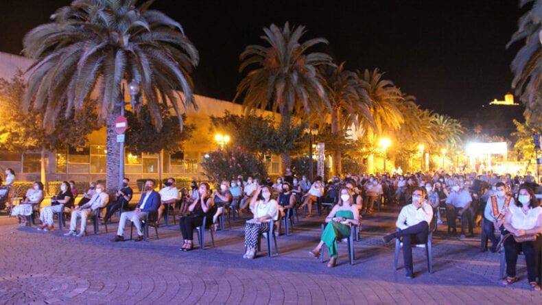 El acto se realizó en el Paseo del Poeta Lorenzo Guardiola