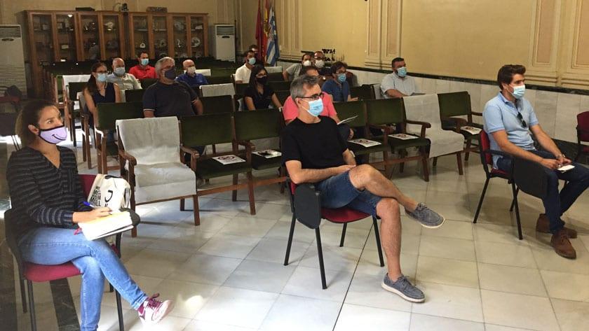 La reunión se celebró en el Salón de Plenos del Ayuntamiento de Jumilla