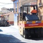 Con los trabajos de asfaltado terminan las obras de renovación de infraestructuras del segundo tramo de la calle Álvarez Quintero