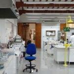 El Laboratorio Enológico de Jumilla realiza más de 30.000 análisis anuales de uvas y vinos para garantizar la calidad y facilitar su exportación