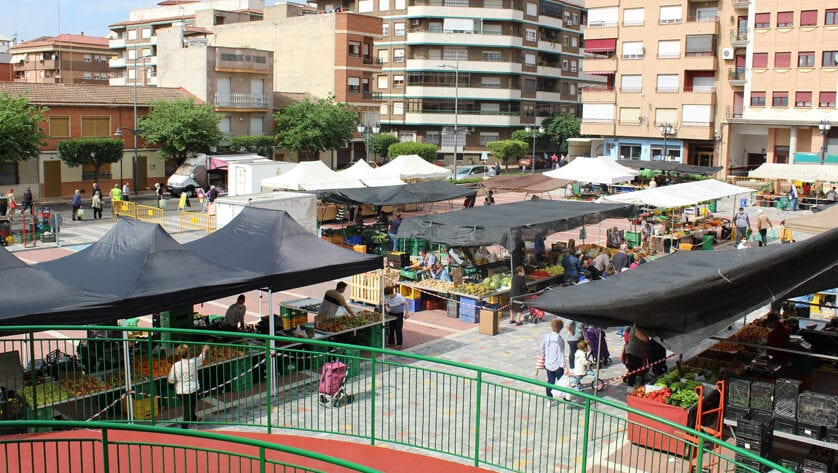 El Ayuntamiento recuerda las normas del mercado semanal de los martes