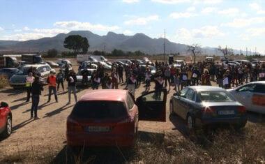 Los hosteleros manifiestan por las calles de Jumilla su desacuerdo con el cierre del sector