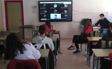 Alumnos de 4º de la ESO del IES Infanta Elena participan en 'Encuentros literarios con autor'