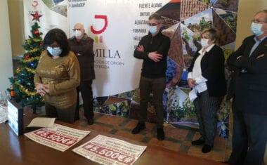 El Consejo Regulador de la DOP Jumilla entrega su cheque solidario a Cáritas Interparroquial de Hellín y Jumilla