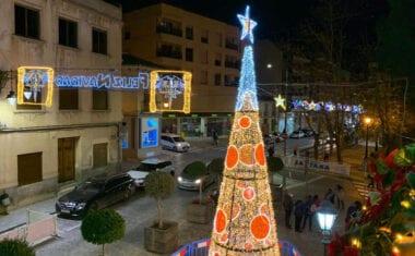 Las luces de Navidad iluminan Jumilla