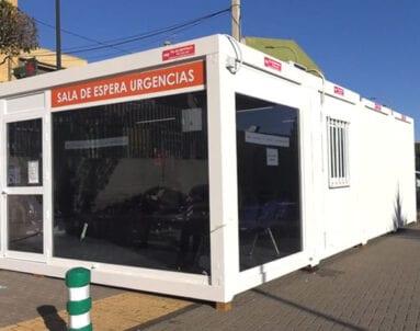 Actualmente la sala de espera de Urgencias está habilitada fuera del edificio principal