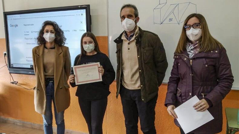 Concurso organizado por los Departamentos de Artes Plásticas e Idiomas