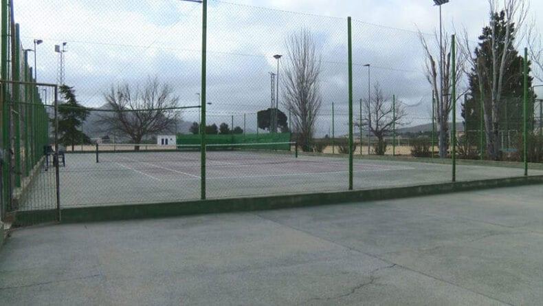 Dos nuevas pistas de tenis en sustitución de las viejas de La Hoya