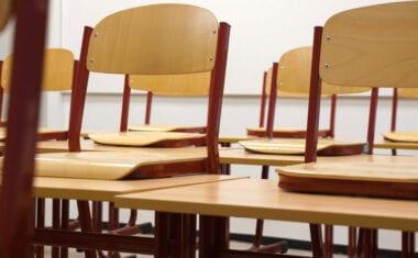 La presencialidad quedará supeditada a que el 70 por ciento de los docentes estén vacunados y a que el nivel de contagio lo permita