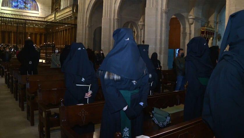 Se realiza en Santiago la Celebración Penitencial y rezo del Vía Crucis de Martes Santo