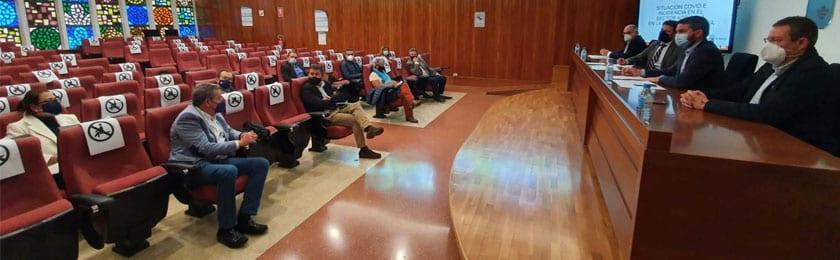 A la reunión de la Consejería asistieron representantes de las Organizaciones Agrarias y Asociaciones del sector agro