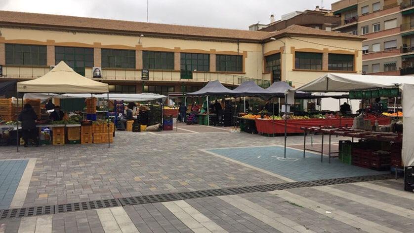 El Ayuntamiento recuerda a los vendedores ambulantes la nueva ordenanza del Mercado semanal