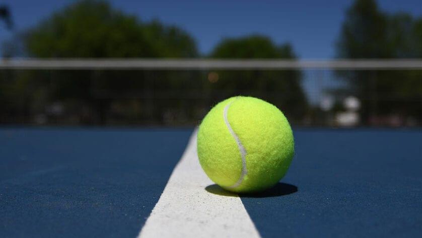Adjudicadas las obras de reconstrucción de las pistas de tenis del Polideportivo La Hoya