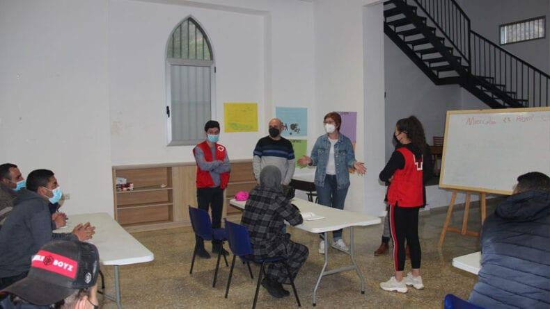 Visita de la Alcaldesa de Jumilla y el concejal de Política social a una de las clases