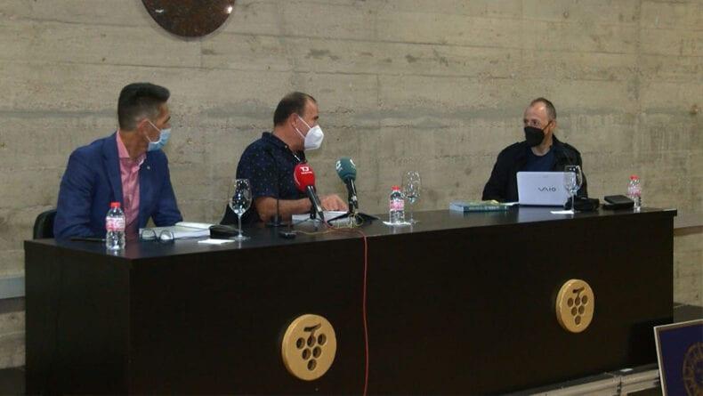 Miguel Fernández, José del Ramo y Antonio Toral durante la presentación