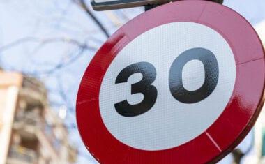Entra en vigor la limitación de velocidad en vías urbanas