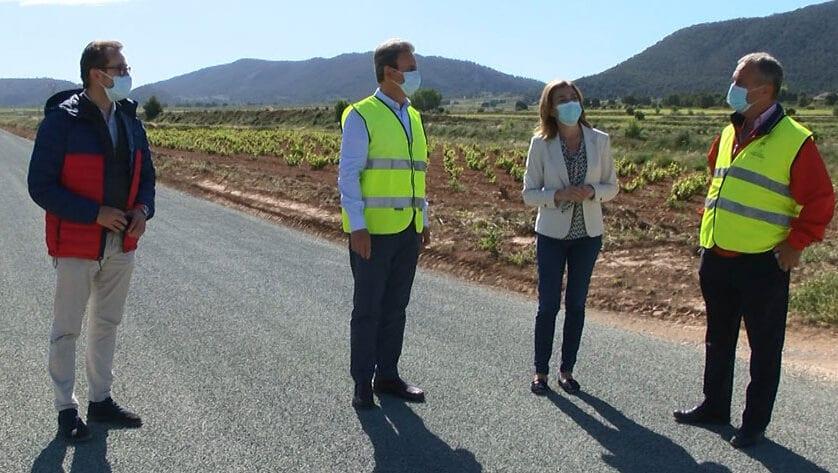 Se está acometiendo el arreglo en un tramo de 3,5 kilómetros en la carretera de El Carche