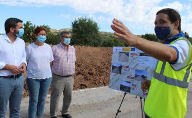 Avanzan las obras de mejora de la pista de Colonización de Jumilla