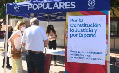"""El PP de Jumilla recoge firmas en contra de los posible indultos a los conocidos como """"presos del Procés"""""""