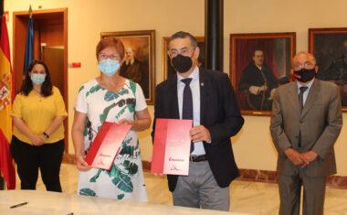 El Ayuntamiento y la UMU firman un convenio para la creación en Jumilla de una sede permanente de extensión universitaria