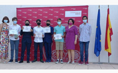 Los Pentaproblemáticos recogen su premio del II Math Talentum