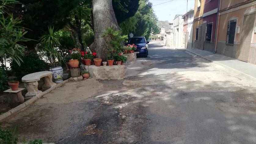 IU Verdes da a conocer a los vecinos la realidad del asfaltado en las pedanías