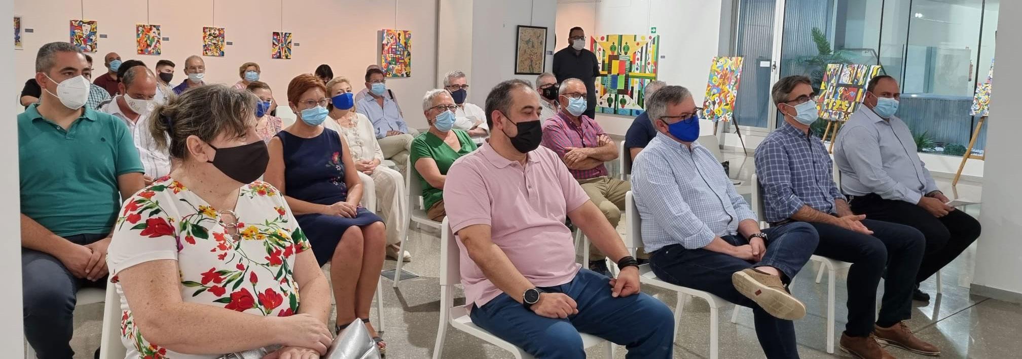 En la presentación estuvieron presentes los alcaldes de los seis municipios que conforman la Ruta del Vino Jumilla, junto a su presidente, Sebastián García y el presidente del Consejo Regulador Vinos DOP Jumilla, Silvano García