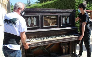 La Concejalía de Cultura restaurará el histórico piano del Teatro Vico, de finales del siglo XIX