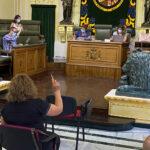 El Ayuntamiento solicitará a la CARM que se mantengan los contratos de los docentes de refuerzo covid durante el próximo curso