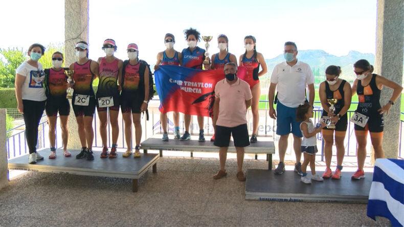 El Club Triatlón Murcia Unidata A también vence en la modalidad femenina