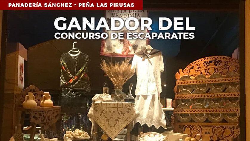 La Panadería Sánchez que participaba junto a la Peña Las Pirusas ha ganado el concurso de escaparates de la Fiesta de la Vendimia