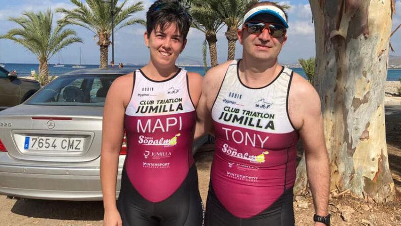 Los dos triatletas del Club Triatlón Jumilla en el I Acuatlón La Azohía