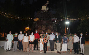 La inauguración de la Fuente del Vino, el Festival Nacional de Folklore y la Misa de la Patrona llenan los primeros días de fiestas