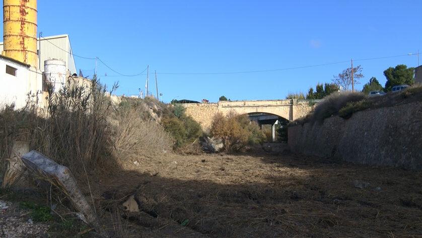 La Junta de Gobierno adjudica las obras de rehabilitación de la escollera del Puente del Poyo