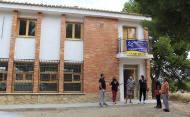 El Ayuntamiento rehabilita el antiguo colegio de La Raja como local social para la pedanía