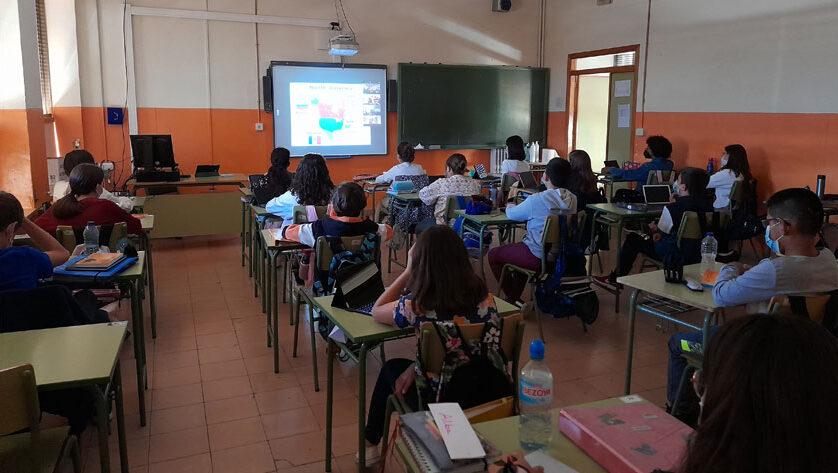 Charla telématica en inglés para los alumnos de ESO del IES Arzobispo Lozano
