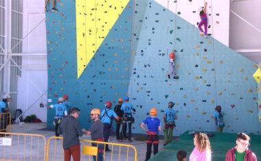 La Concejalía de Deportes y el Grupo Hinneni organizan tres jornadas de puertas abiertas en el Rocódromo