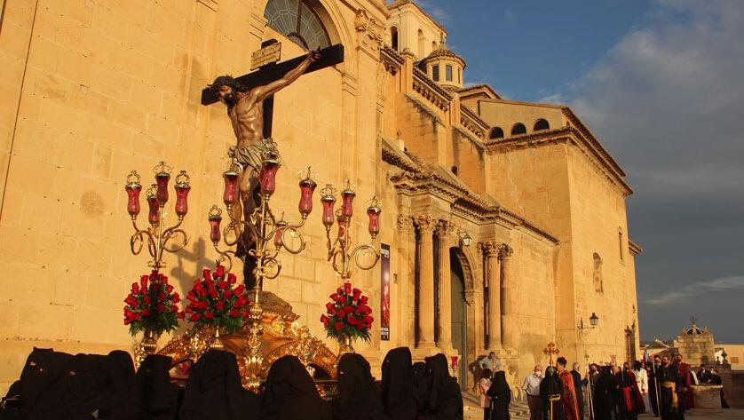 La Procesión Extraordinaria de los Penitentes pone el broche de oro a los actos del 50 aniversario